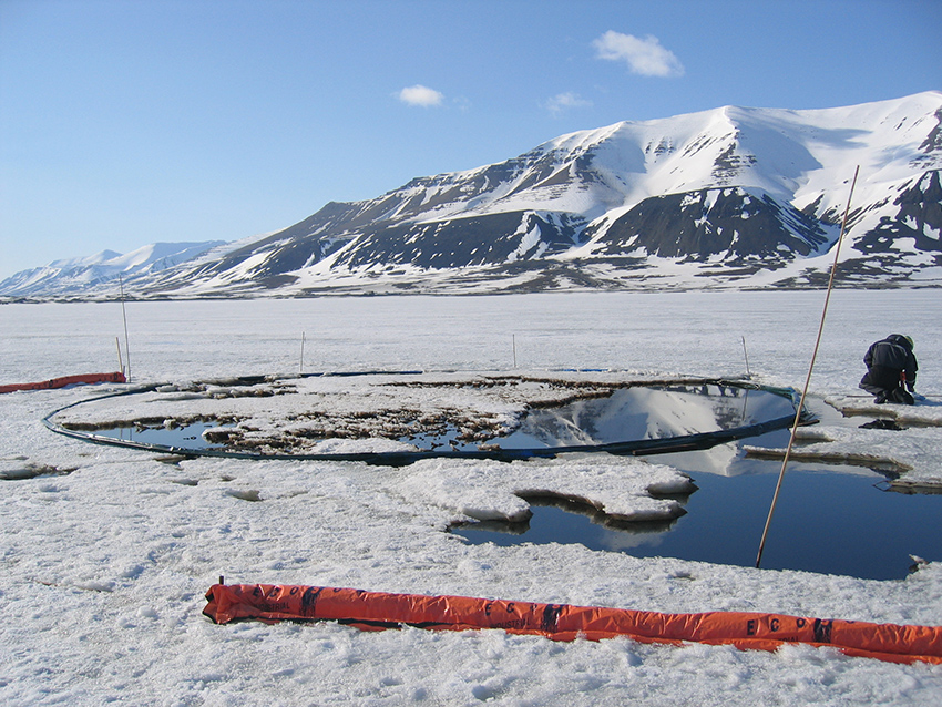 Photo 4-5. Field experiment during Oil-in-Ice JIP program (SINTEF)